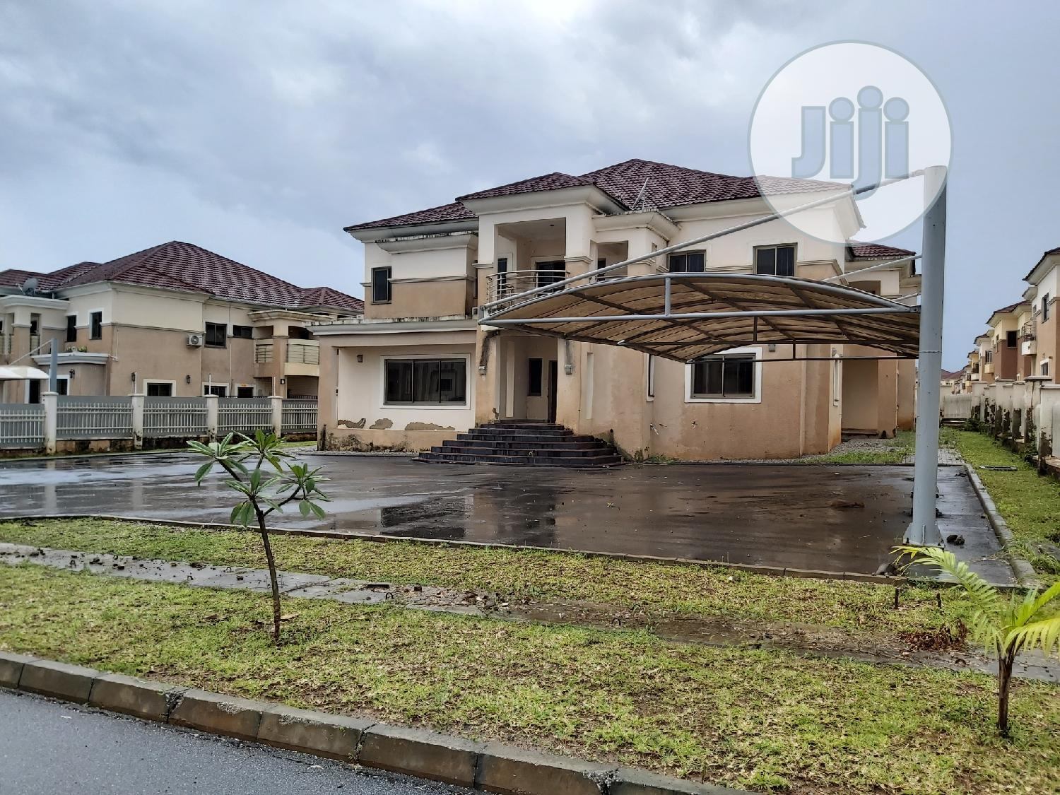 Archive: A 5 Bedroom Duplex For Sale