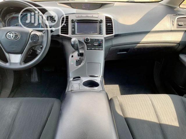 Archive: Toyota Venza 2013 LE AWD Silver