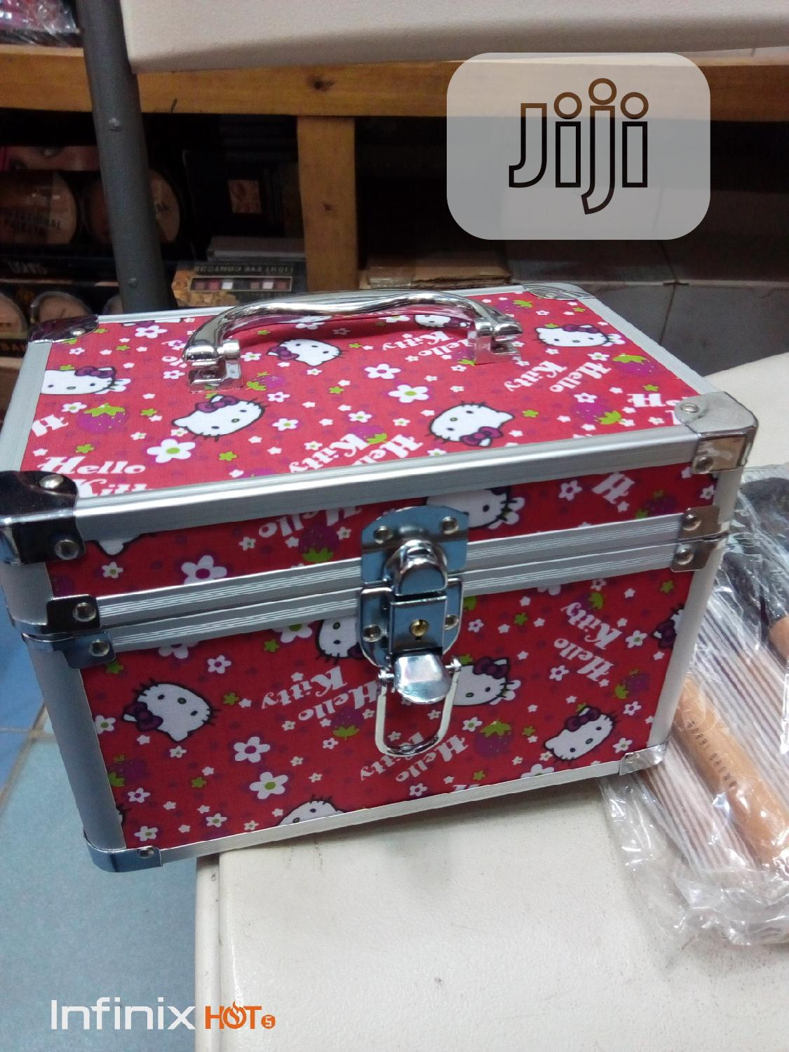 Makeup Box | Tools & Accessories for sale in Amuwo-Odofin, Lagos State, Nigeria