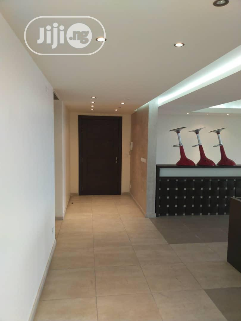 Archive: Ikoyi Luxuriously Built Highrise Executive Two(2) Bedroom Penthouse