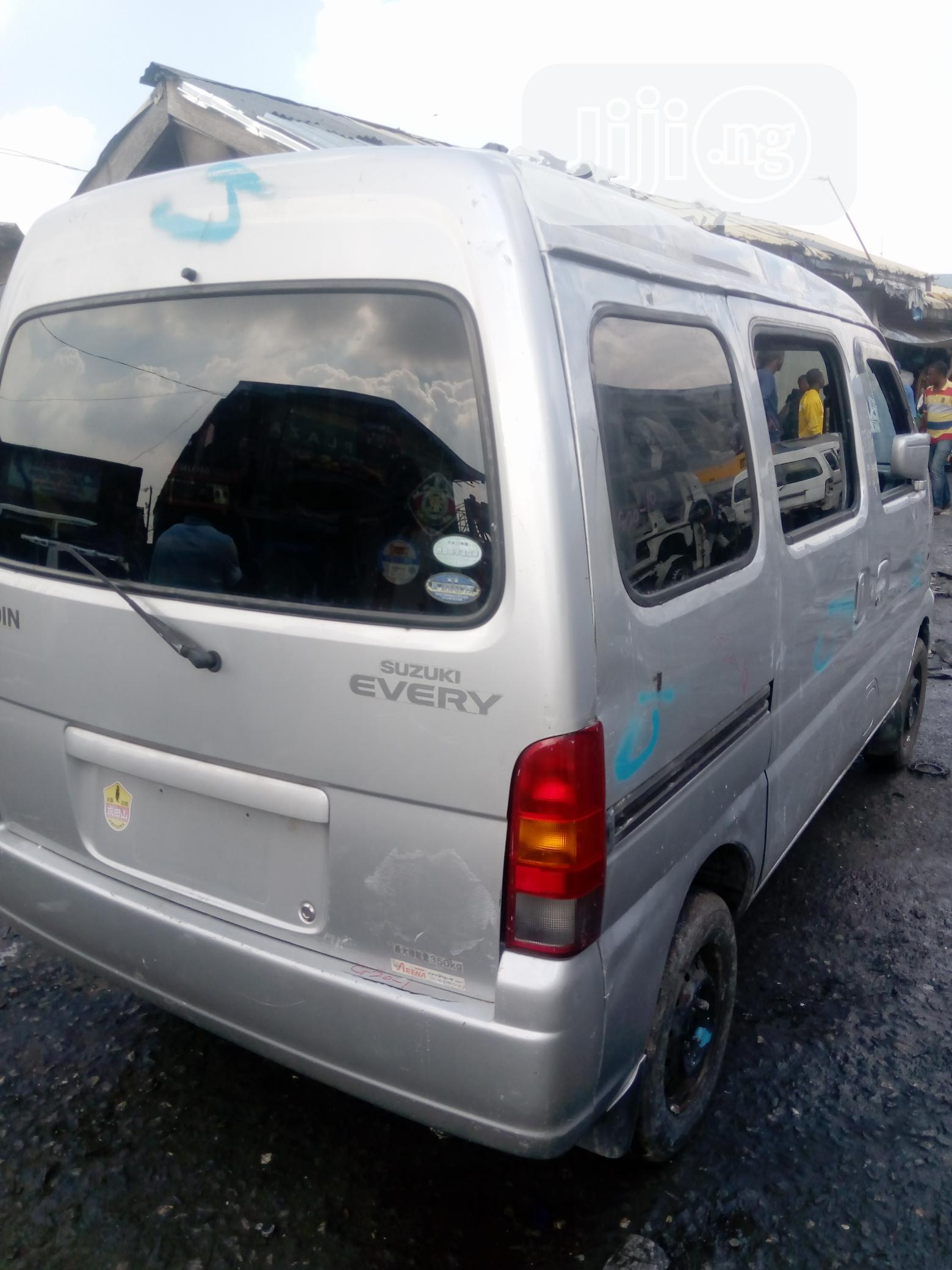 Suzuki Minibus 2005 - New Import | Buses & Microbuses for sale in Lagos State, Nigeria