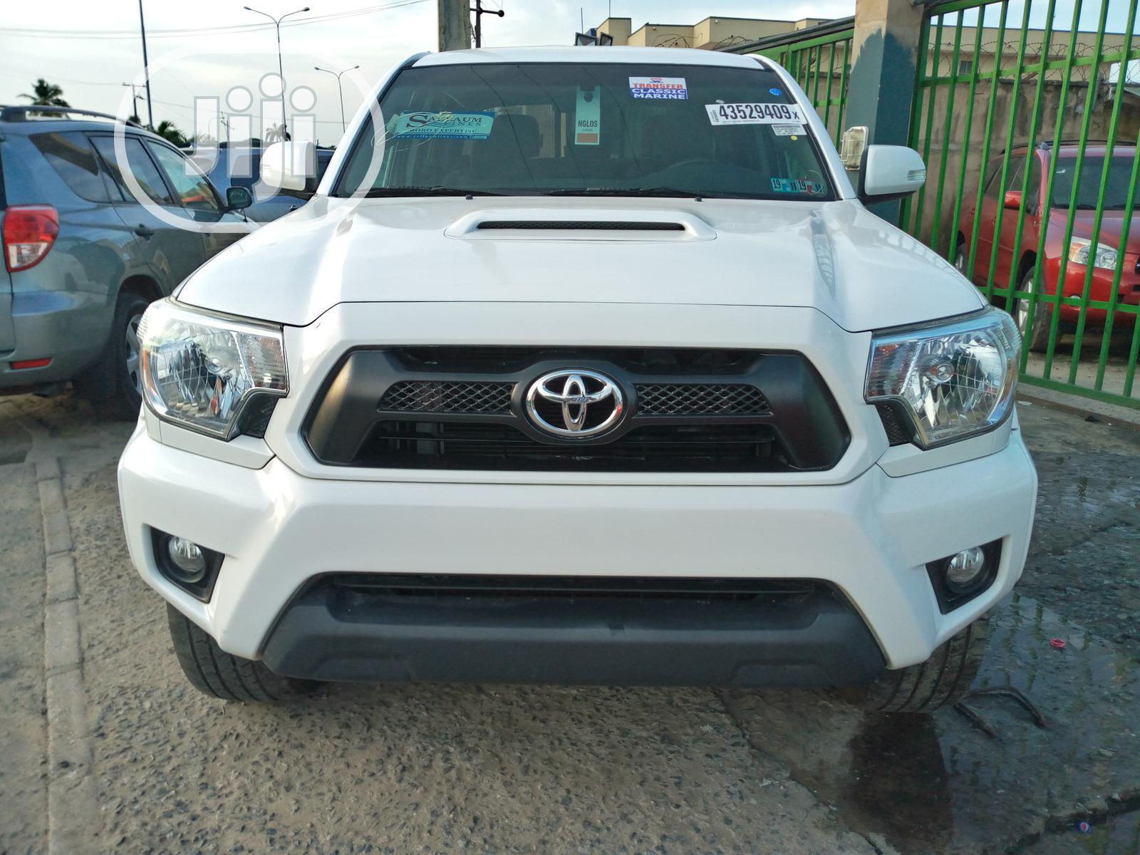 Toyota Tacoma 2015 White