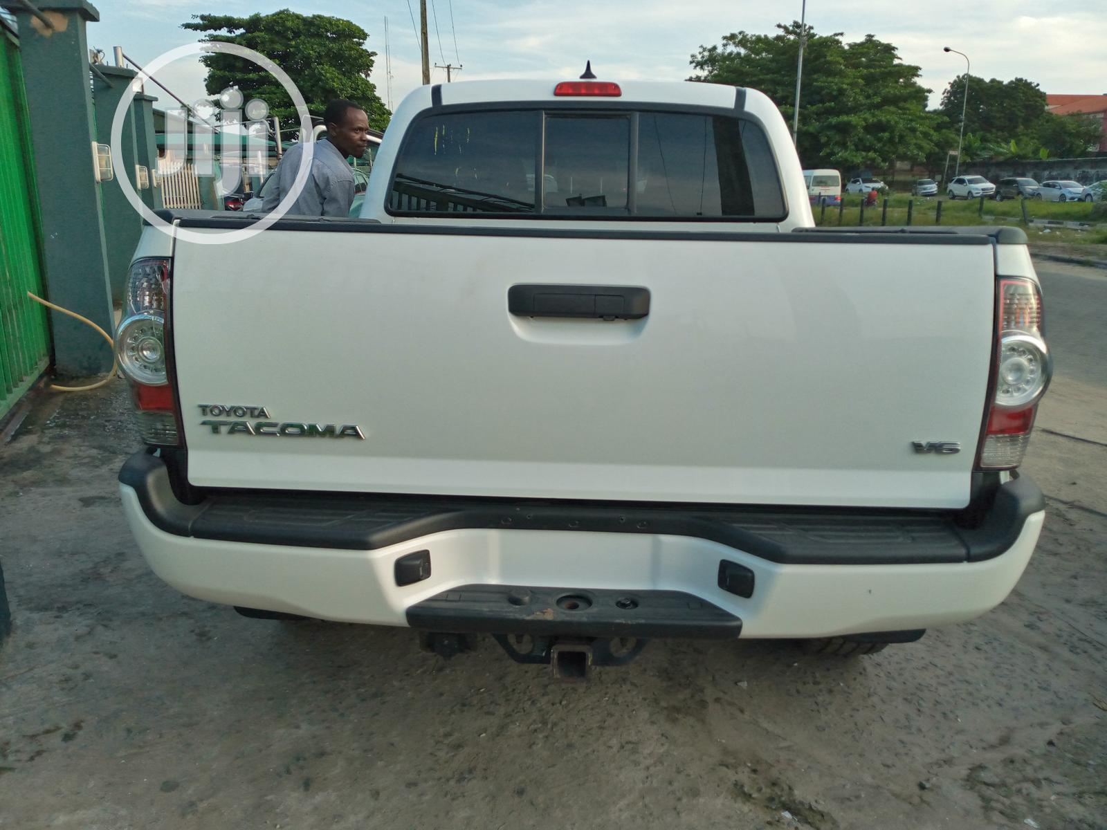 Toyota Tacoma 2015 White   Cars for sale in Amuwo-Odofin, Lagos State, Nigeria