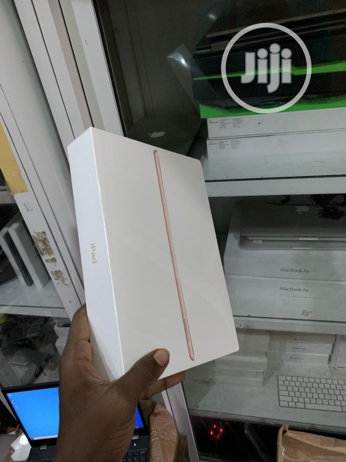 New Apple iPad 10.2 32 GB Pink