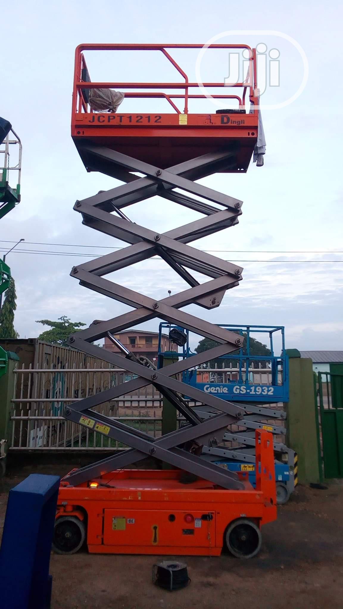Scissors Lift Equipment Scaffolds
