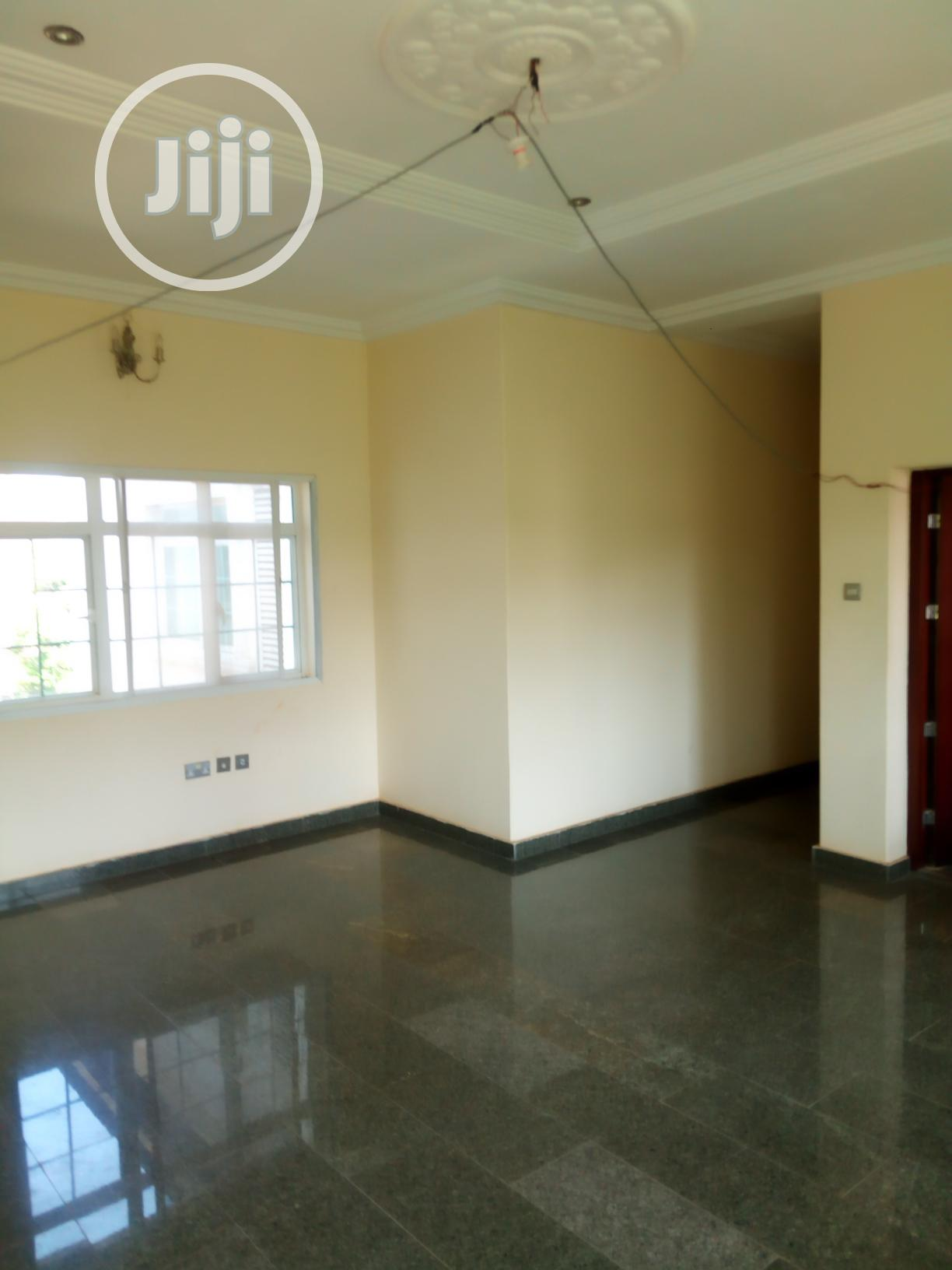 Archive: Multipurpose 20bedrm Mansion With 4bedrm Bq in Asokoro Abuja