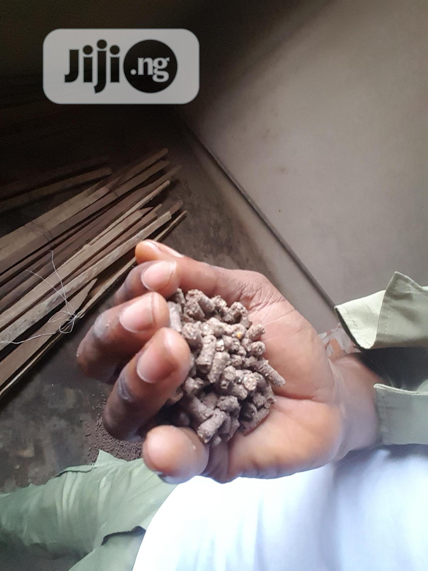 Bushmarket Selling Rabbits Hybrid Feeds Starter And Grower | Pet's Accessories for sale in Ikorodu, Lagos State, Nigeria