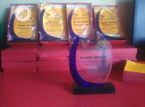 New Crystal Award Plaque   Arts & Crafts for sale in Lagos State, Agege