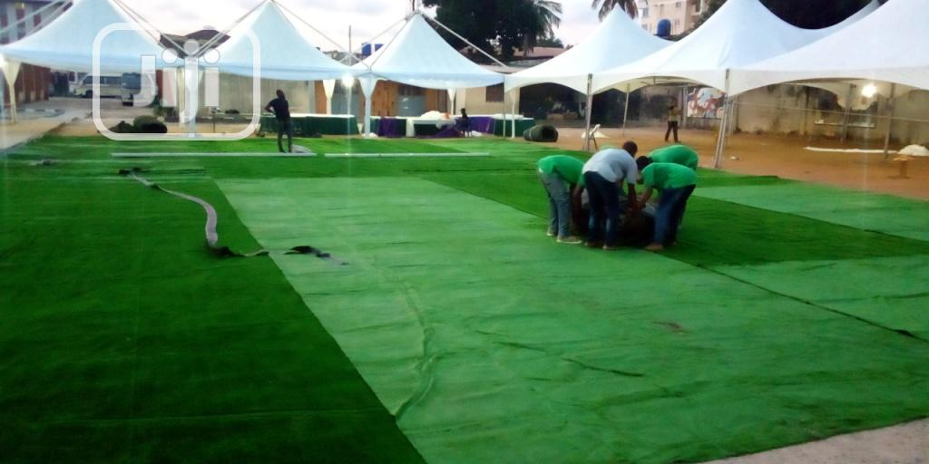 Event Decoration With Artificial Grass