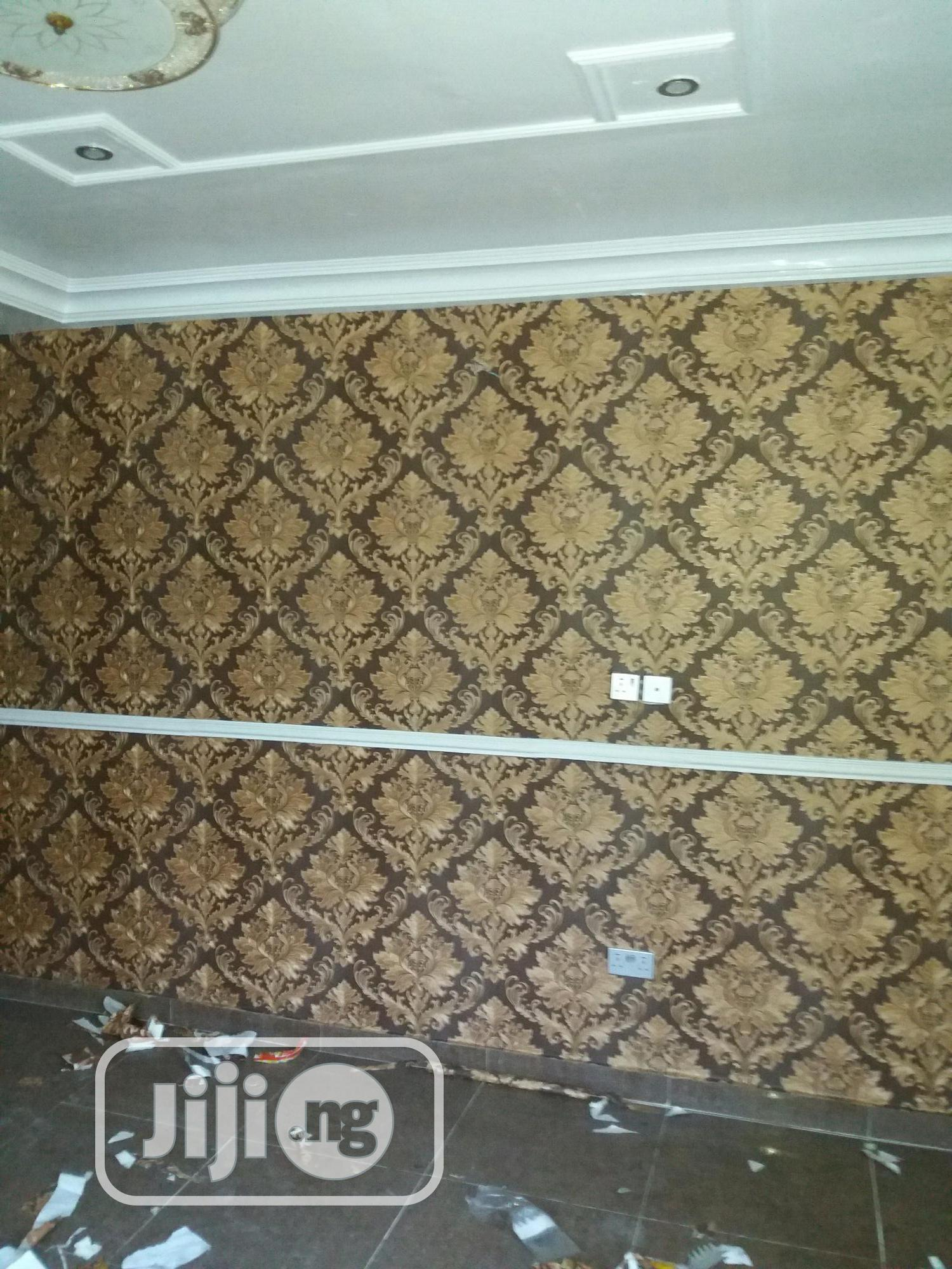 Archive: Wallpaper/Windowblinds/Windowblinds/Curtains/Screeding/Painting
