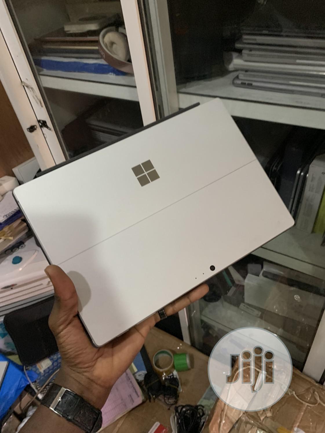 Archive: Microsoft Surface Pro 4 256 GB Gray