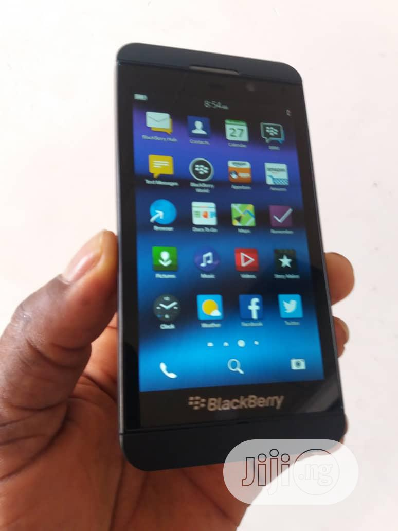 BlackBerry Z10 16 GB Black