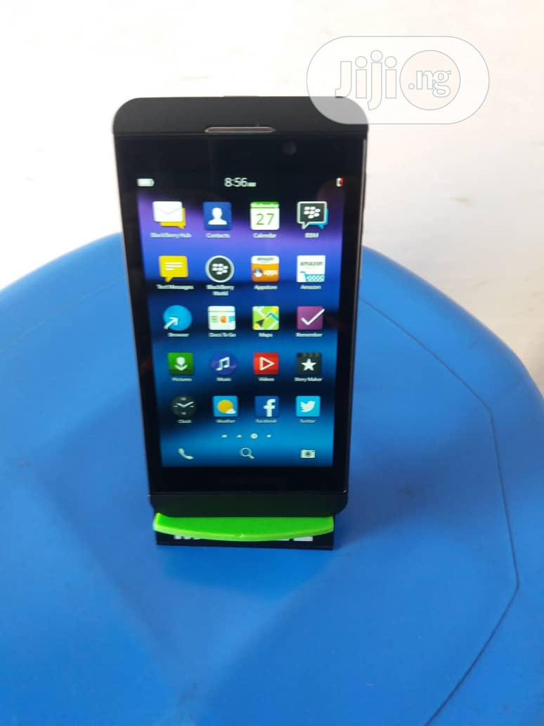 BlackBerry Z10 16 GB Black | Mobile Phones for sale in Lagos State, Nigeria