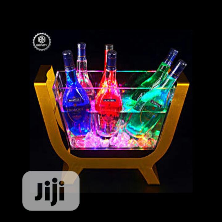 6 Bottles LED Champagne Casket
