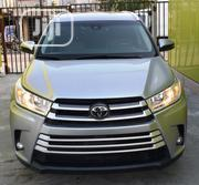 Toyota Highlander 2017 XLE 4x4 V6 (3.5L 6cyl 8A) Gray | Cars for sale in Lagos State, Lekki Phase 2