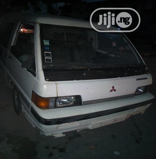 Mitsubishi L300 1996