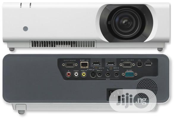 Sony VPL-CH370 LCD Projector - 5000 Lumen