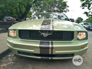 Ford Mustang 2005 V6 Deluxe Coupe Green | Cars for sale in Lagos State, Amuwo-Odofin