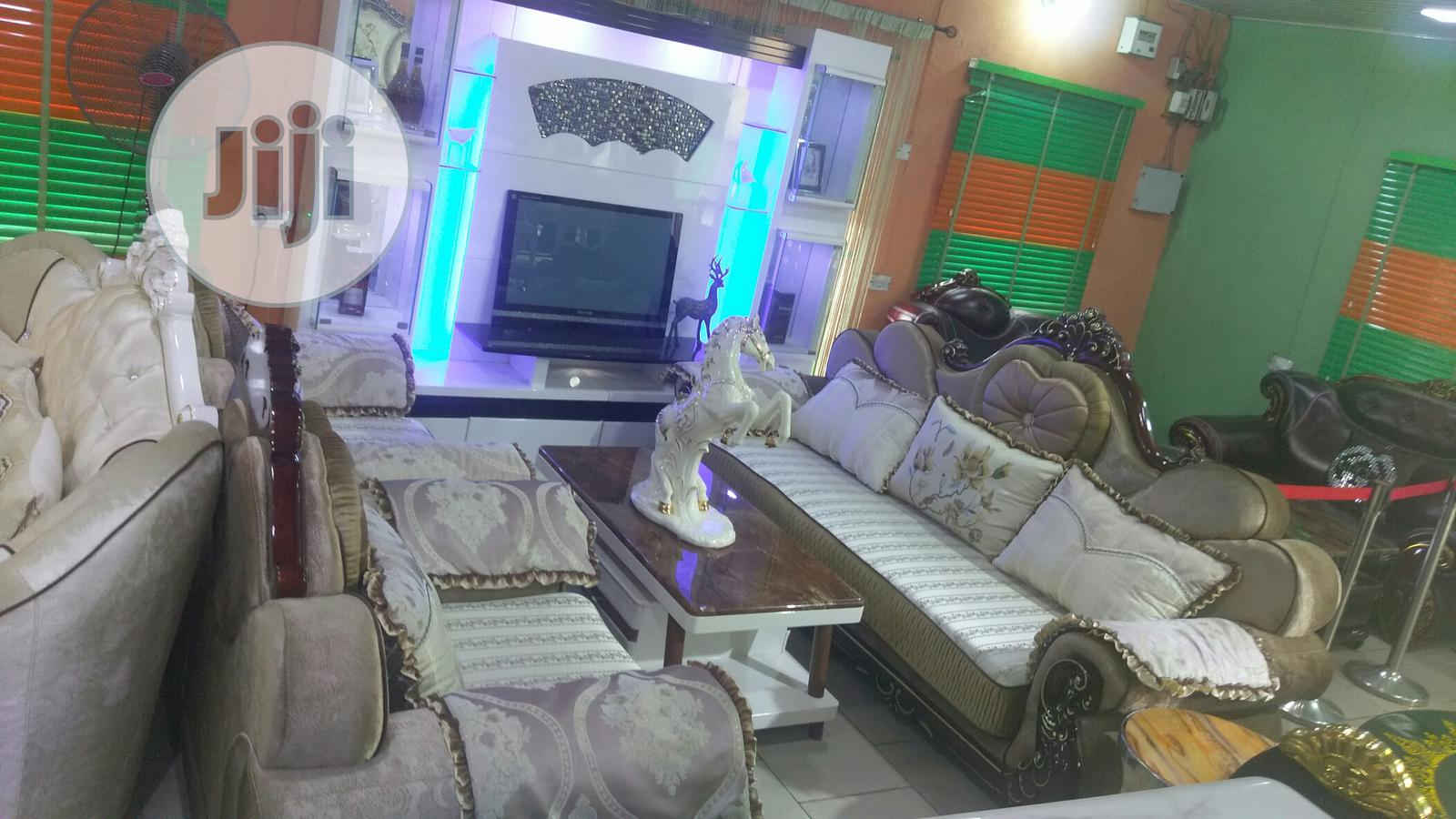 Quality Sitting Room Sofa Chair With Classic Wall Bracket | Furniture for sale in Garki 1, Abuja (FCT) State, Nigeria