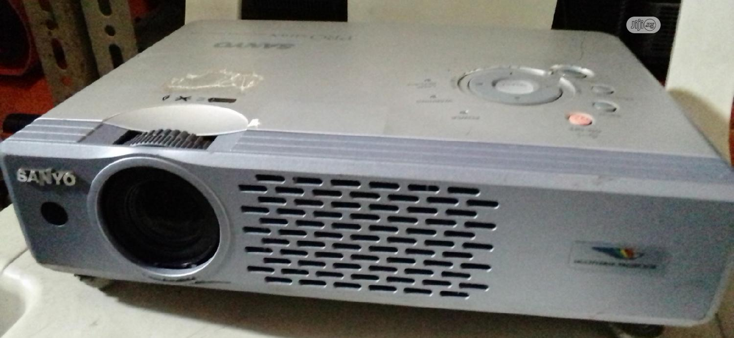 Archive: Quality Sanyo Projector