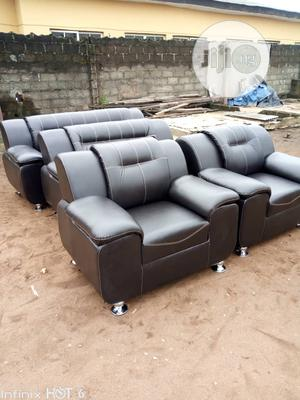 7 Seater Quality Leather for Sale | Furniture for sale in Lagos State, Surulere