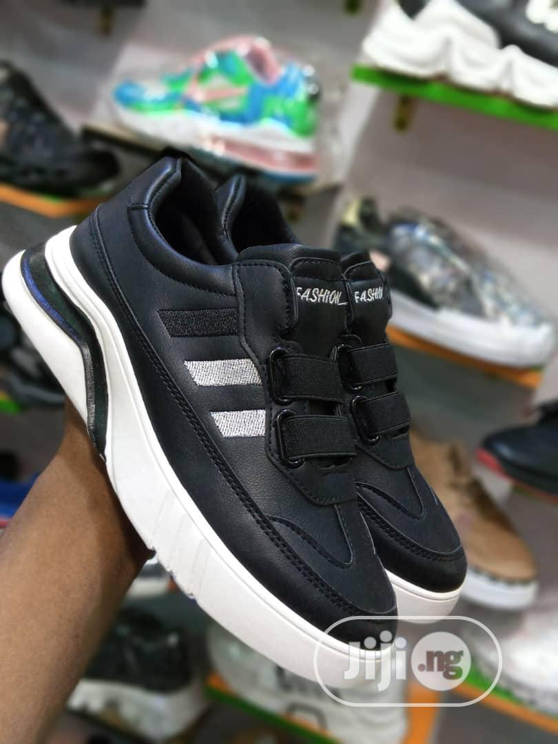 Original Male Fashion Sneakers   Shoes for sale in Lagos Island (Eko), Lagos State, Nigeria