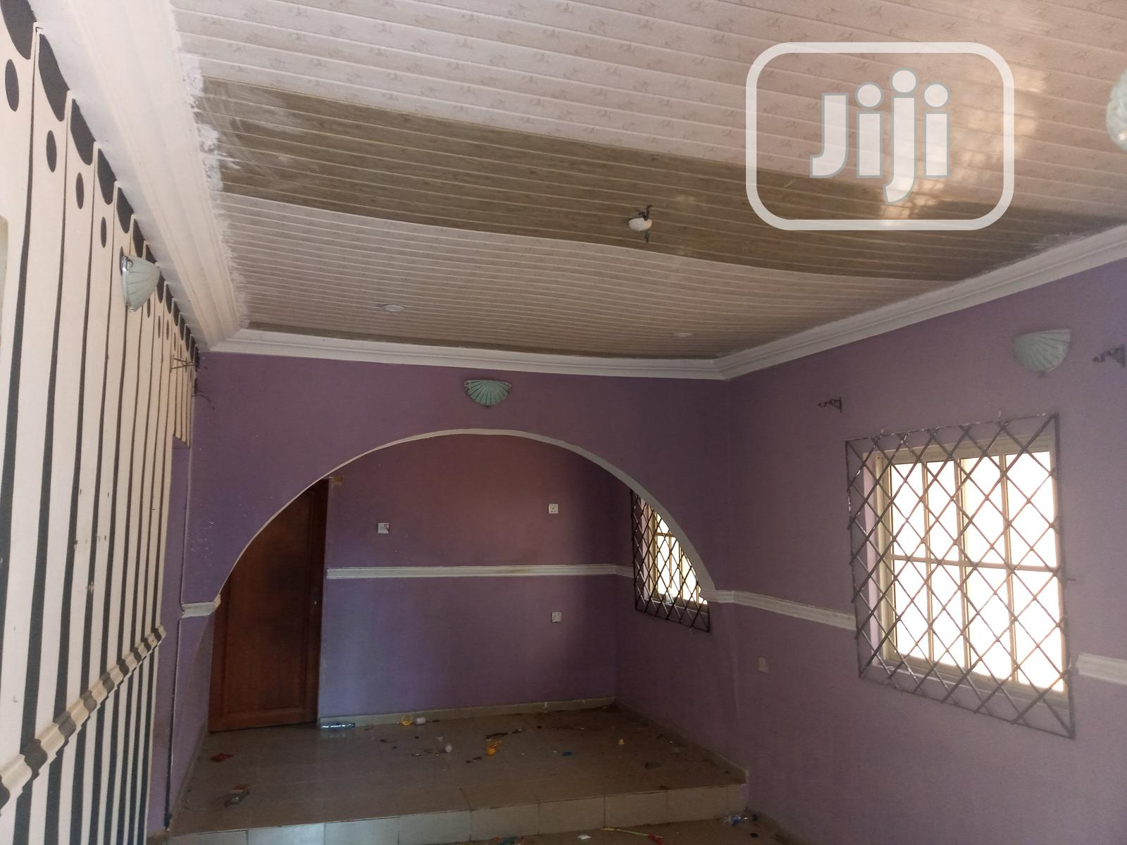 Standard 2-bedroom Flat | Houses & Apartments For Rent for sale in Benin City, Edo State, Nigeria