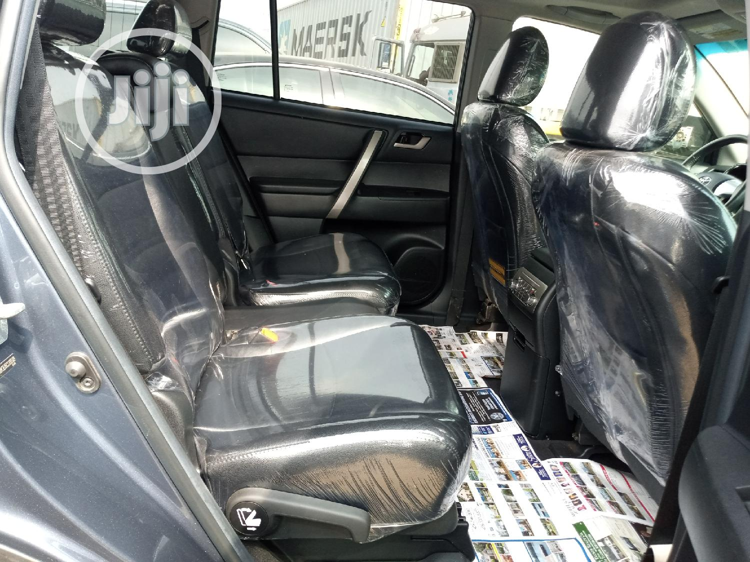 Toyota Highlander Limited 2012 Gold   Cars for sale in Apapa, Lagos State, Nigeria