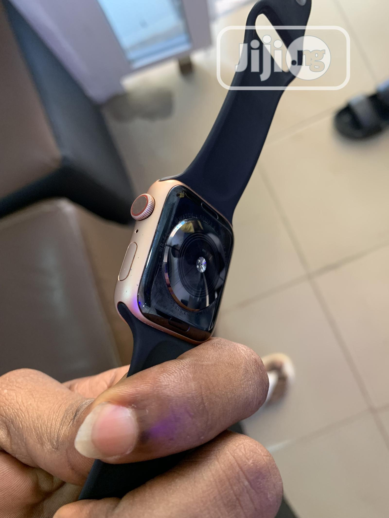 Apple Watch Series4 44mm | Smart Watches & Trackers for sale in Benin City, Edo State, Nigeria