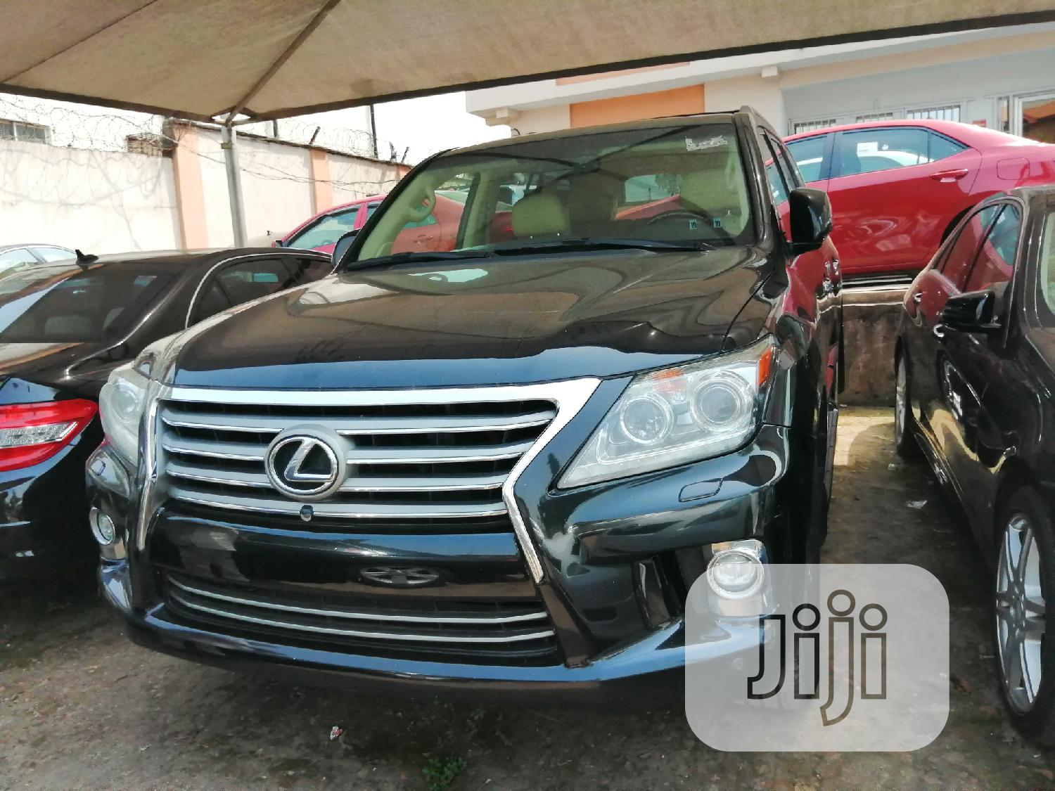 Archive: Lexus LX 570 2015 Black