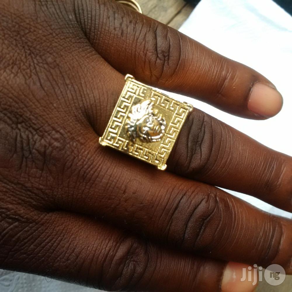 Solid ITALY 750 Gold Fashion Ring Vasae Logo Design | Jewelry for sale in Lagos Island (Eko), Lagos State, Nigeria
