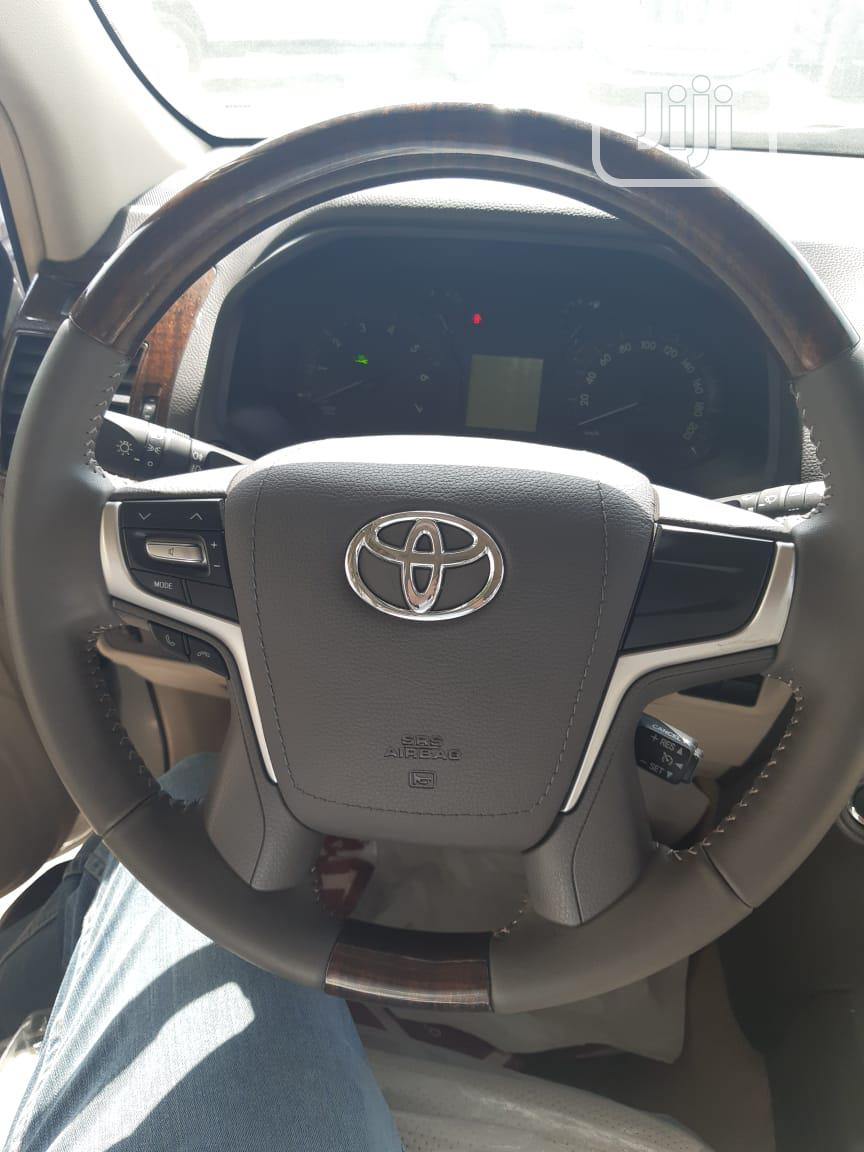 New Toyota Land Cruiser Prado 2019 VXR White