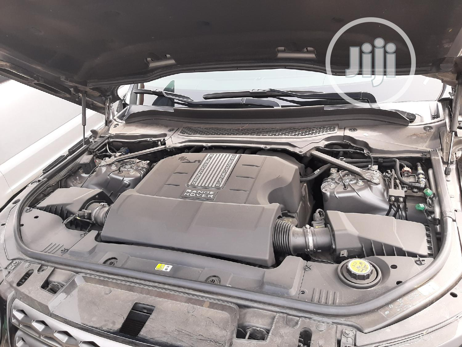Archive: Land Rover Range Rover Sport 2014 HSE 4x4 (3.0L 6cyl 8A) Gray