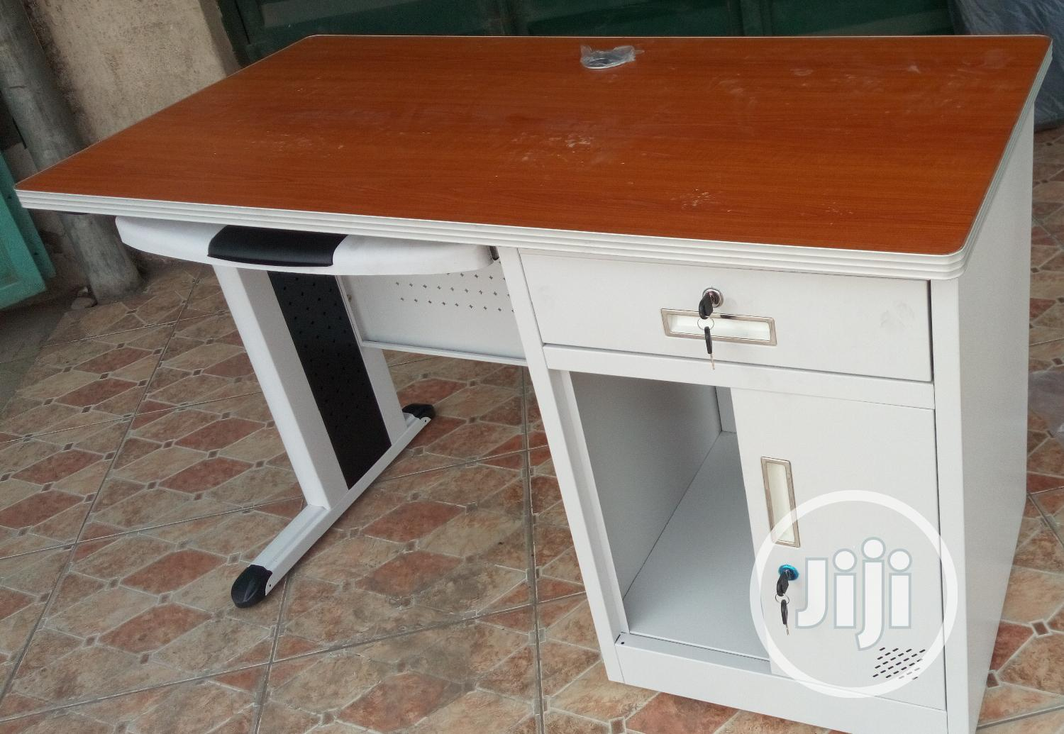 Awesome 4ft Metal Office Table Impoterd Brand New
