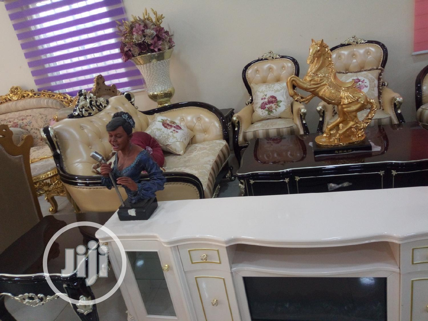 Royal Fabric and Leather Sofa | Furniture for sale in Lagos State, Nigeria