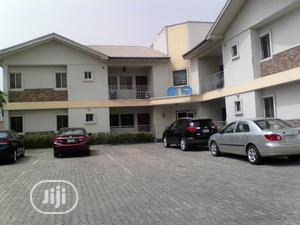 Serviced 3 Bedroom Flat In A Quiet Environ Lekki Right   Houses & Apartments For Rent for sale in Lagos State, Lekki