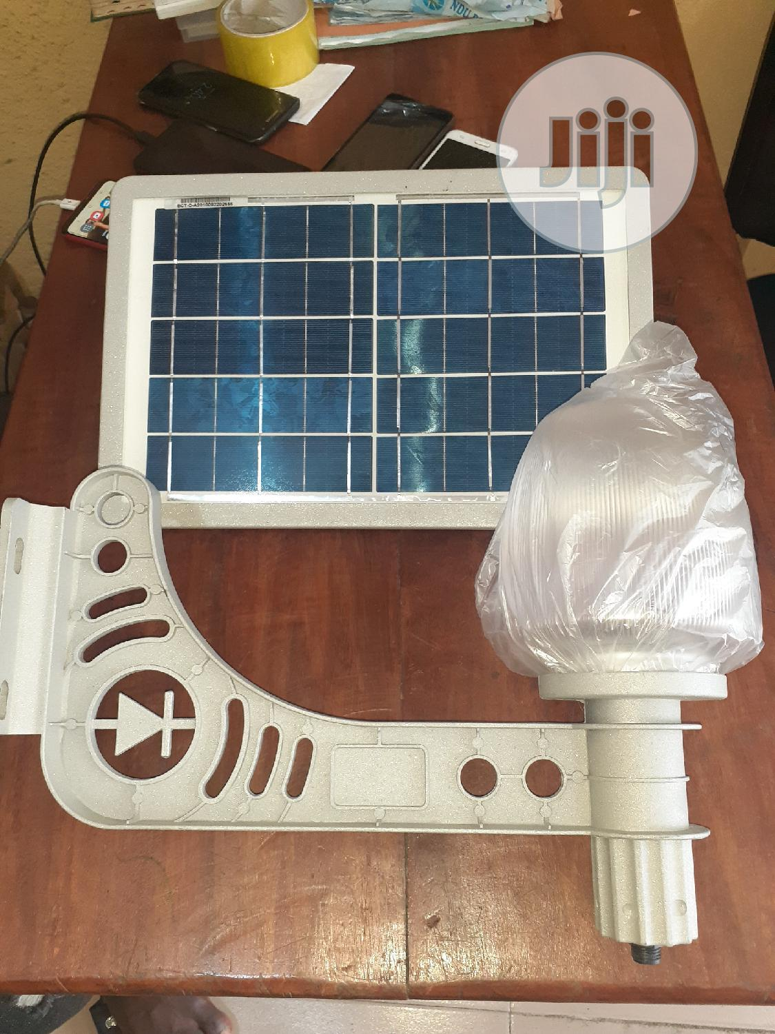 New & Quality Solar Garden/Outdoor Lights & Lamps.