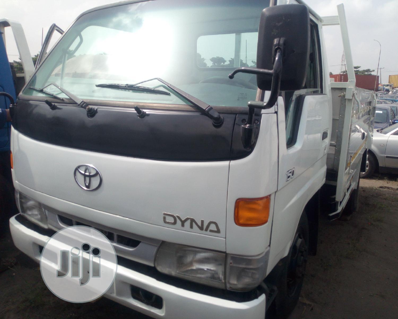 Toyota Dyna 200 1997 White