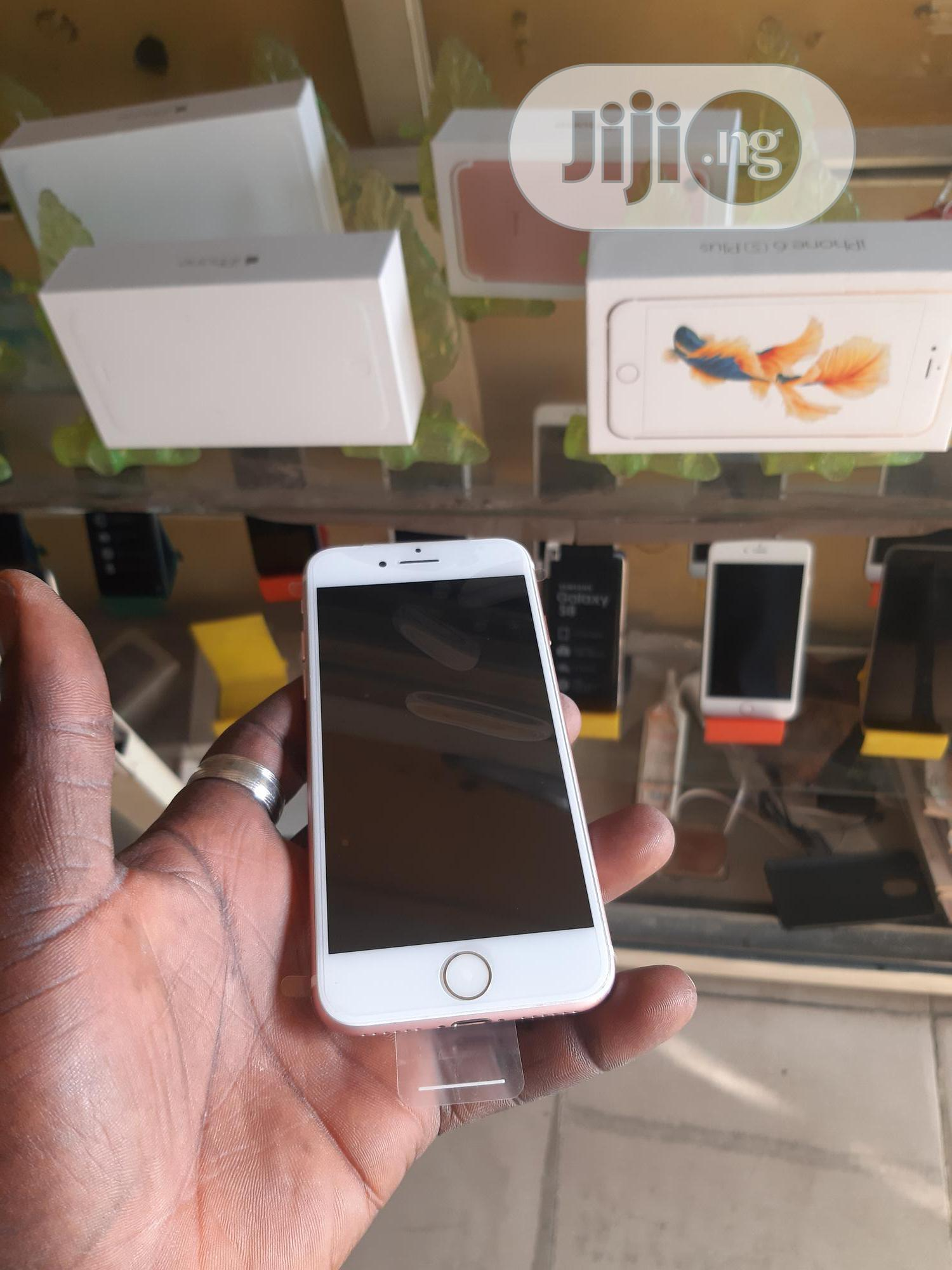 New Apple iPhone 7 32 GB Gold   Mobile Phones for sale in Ibadan, Oyo State, Nigeria