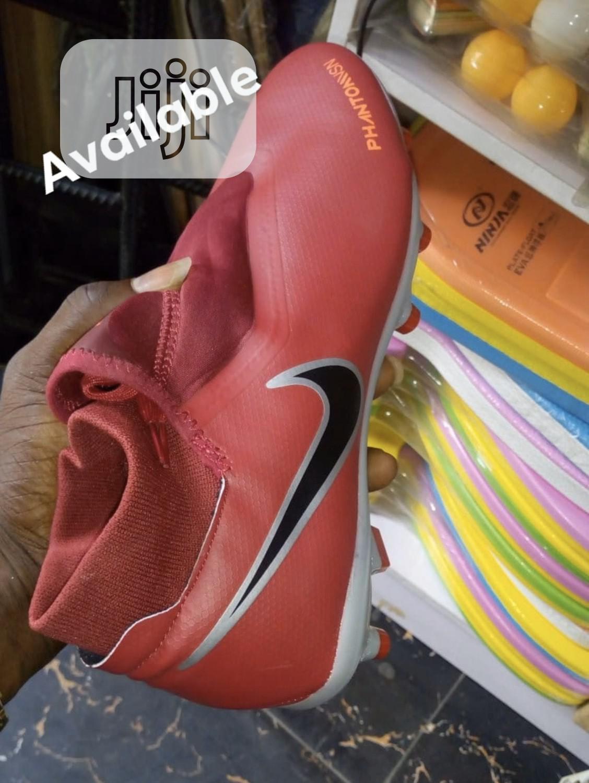 Nike Phantom Soccer Boot