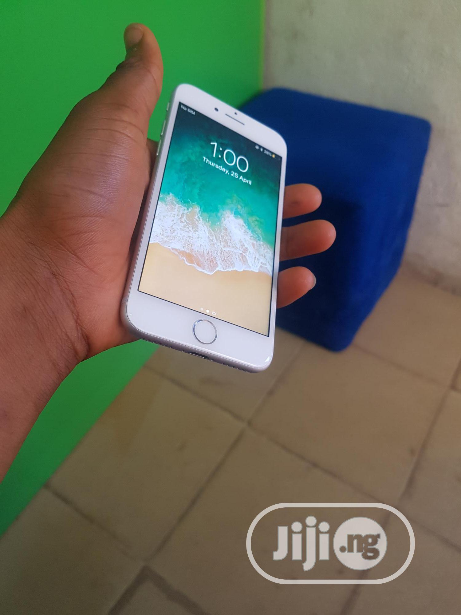 Apple iPhone 7 32 GB Gray