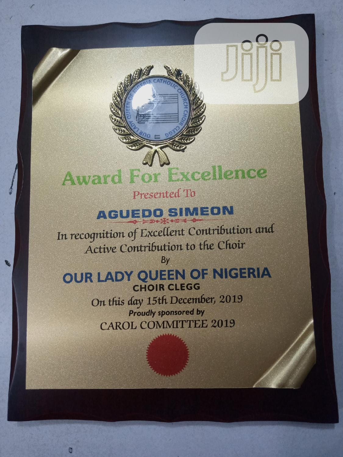 Golden Frame Award Plack With Medalon | Arts & Crafts for sale in Surulere, Lagos State, Nigeria