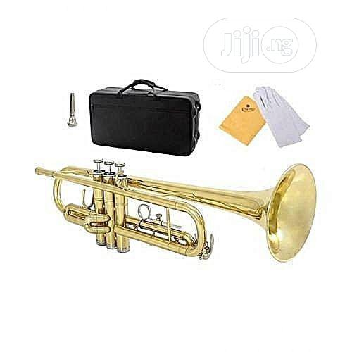 Yamaha Professional Gold Trumpet With Accessories