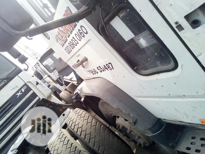 Volvo Fl225 1999 White For Sale   Trucks & Trailers for sale in Mushin, Lagos State, Nigeria