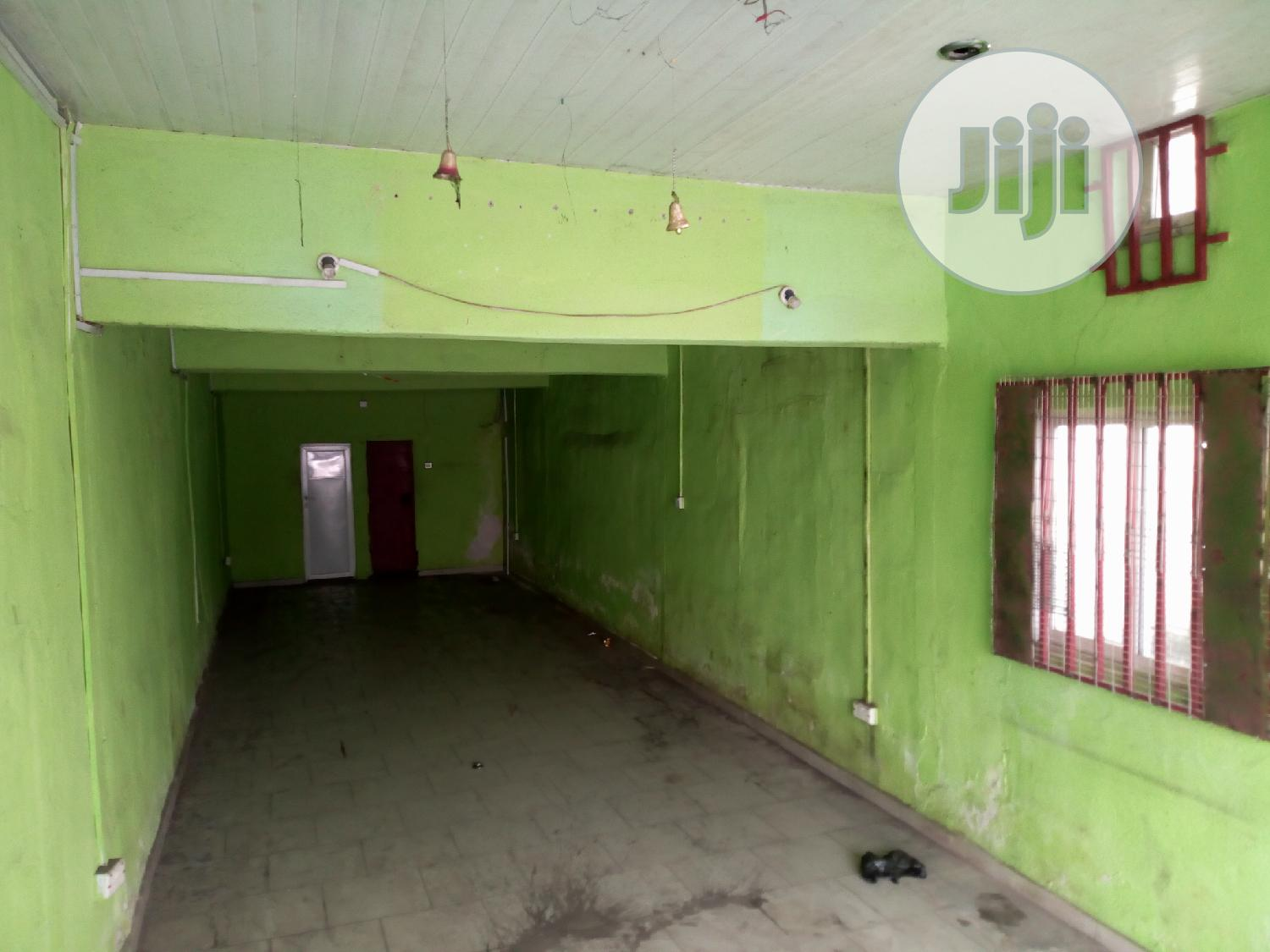 3 in 1 Shop on the Major Rumuola Road, Ph to Let
