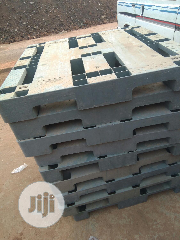 Heavy Duty Ash Colour Rubber Pallets