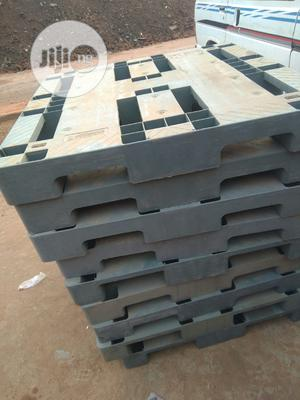 Heavy Duty Ash Colour Rubber Pallets   Building Materials for sale in Lagos State, Agege