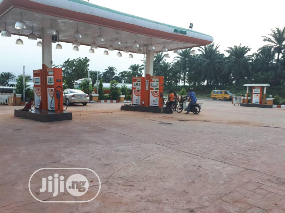 Filling Station And Fast Food With Bakery And Supermarket And Bar