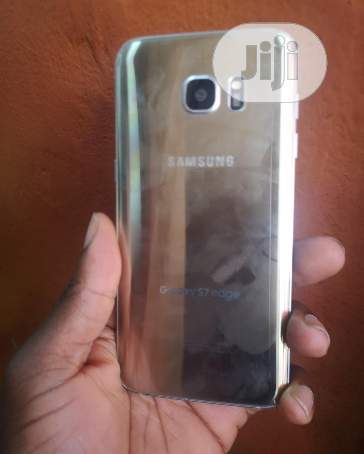 Samsung Galaxy S7 edge 32 GB Gold   Mobile Phones for sale in Yaba, Lagos State, Nigeria