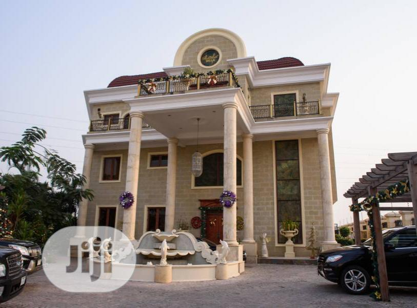 Well Built 8 Bedroom Mansion At Banana Island Ikoyi For Sale.
